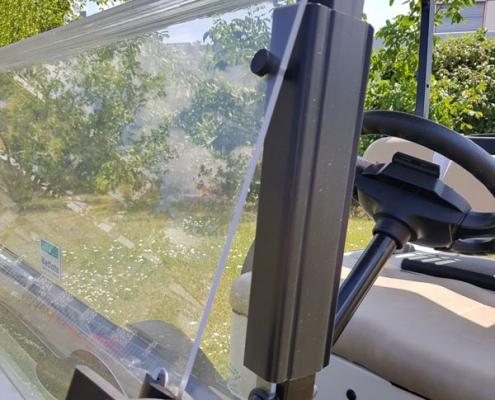 Gebrauchte-Golfcarts-EZGO-RXV-weiss-klappbare-frontscheibe-600x600