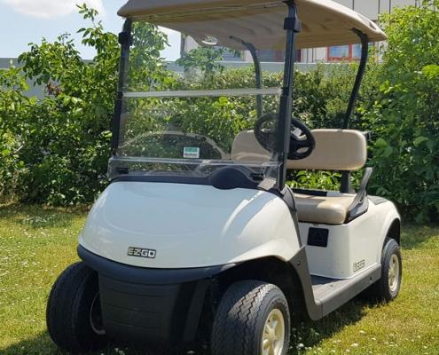 Gebrauchte-Golfcarts-EZGO-RXV-weiss-Seitenansicht-links-nr2-600x600